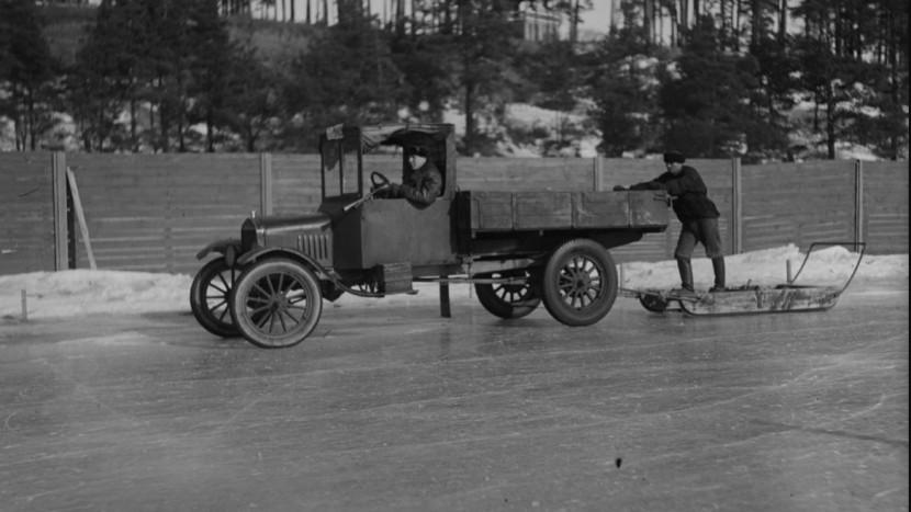 Nokian Tyres 1930s_FirstWinterTyreLake