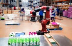 FM Logistica testat la Petrești un robot pentru co-packing