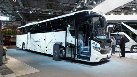 Scania lansează primul autocar alimentat cu LNG