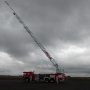 Camion de pompieri Scania scara