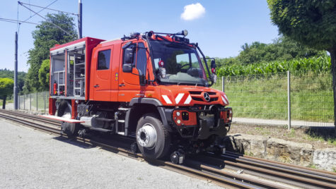CFR va achiziționa utilaje cu deplasare mixtă rutieră-feroviară