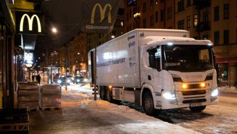 Camion hibrid Scania pentru livrări nocturne silențioase