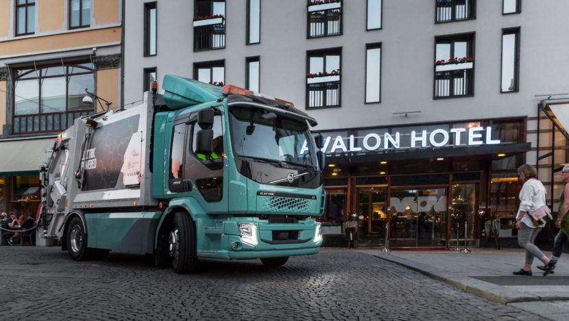 Primele camioane electrice Volvo FL Electric autogunoiera