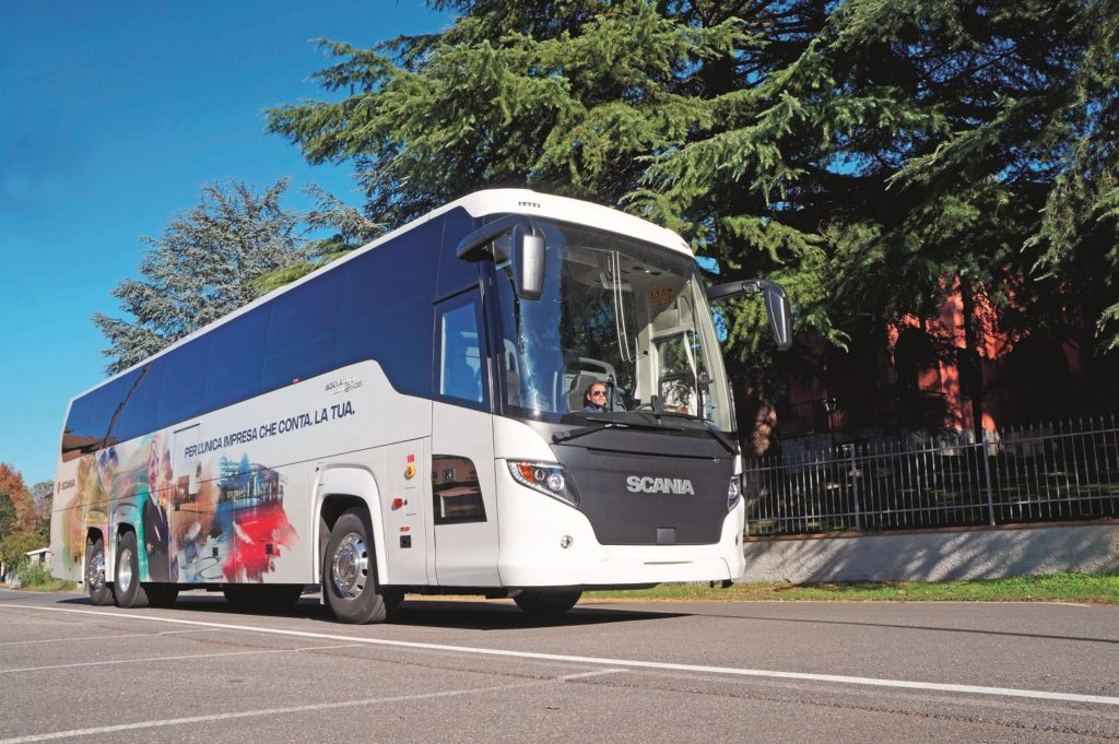 Test Scania Touring exterior