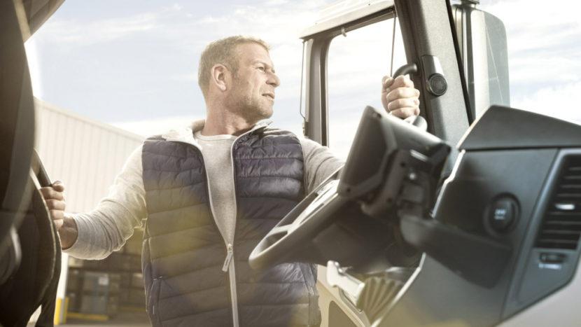Transportatorii români vor să angajeze șoferi din afara UE Germania a eliminat precizarea că întoarcerea acasă a șoferilor nu este obligatorie