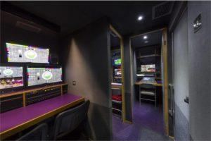 Zest4.TV IvecoDaily Hi-Matic interior