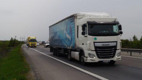 """Înscrierile pentru recuperarea daunelor provocate de """"cartelul camioanelor"""" s-au prelungit"""
