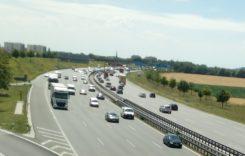 Transportatorii români pot cere despăgubiri de la producătorii de camioane