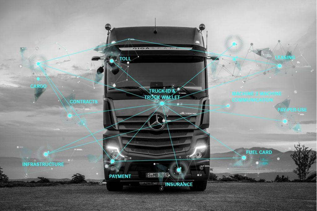 Daimler învață camioanele să facă plăți autonom