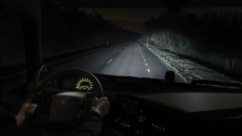 Condusul pe timp de noapte: sfaturi pentru o călătorie sigură