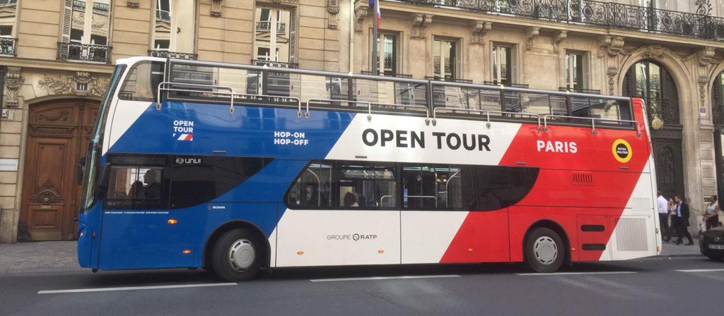 Primul autobuz deschis alimentat cu gaz