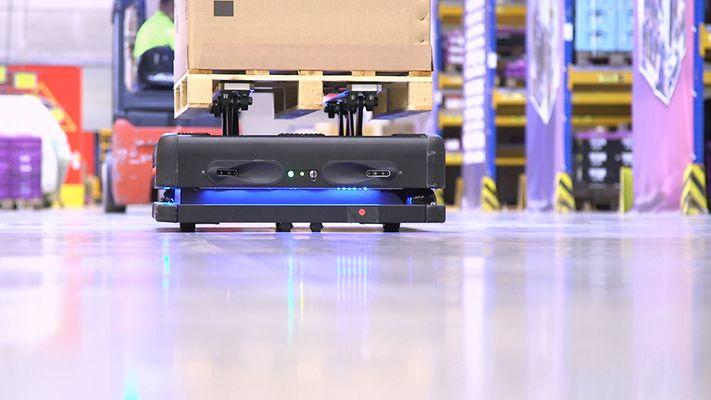roboți autonomi DB Schenker