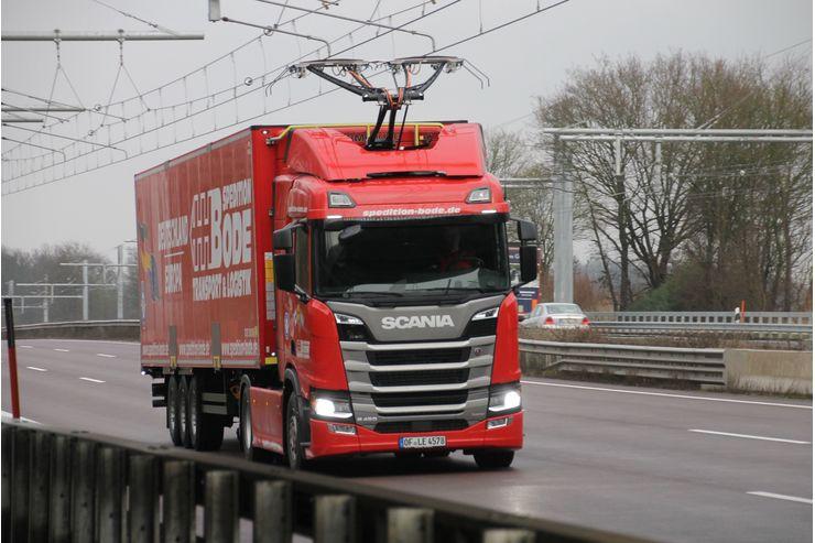 autostradă electrificată camion hibrid Scania pantograf