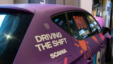 Scania testează baterii în curse de mașini electrice