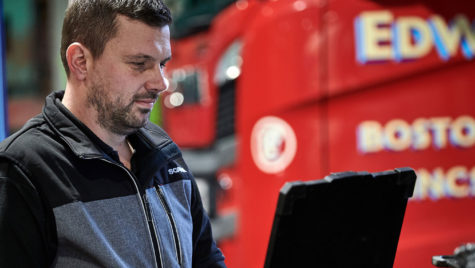 Inteligența Artificială ajută la repararea camioanelor