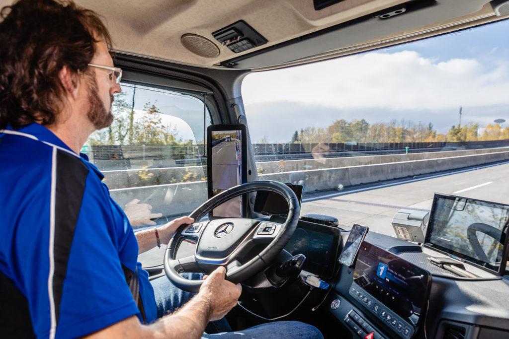 UNTRR cere facilități de deplasare pentru șoferii profesioniști