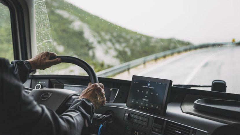 Noile camioane Volvo vor folosi și ele asistentul vocal Alexa
