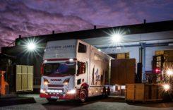 Mutări silențioase cu un camion hibrid Scania