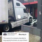 Un șofer nemulțumit a parcat camionul peste Ferrari-ul patronului