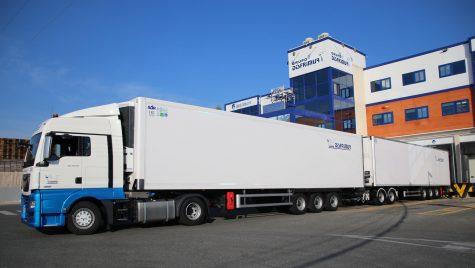 Disfrimur testează cel mai mare camion frigorific din Spania
