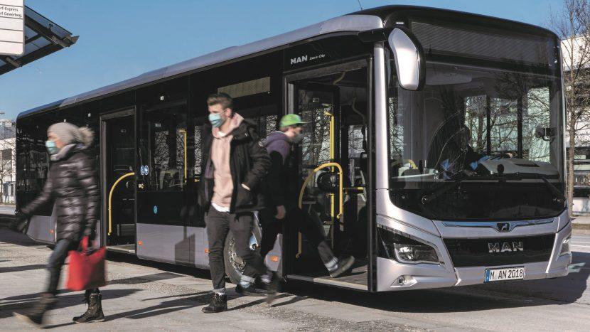 Coronavirus: Cele mai bune practici pentru aerisirea autobuzelor și autocarelor