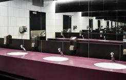 Șoferilor de camion nu trebuie să le fie interzis din nou să utilizeze toaletele, după reluarea activităților