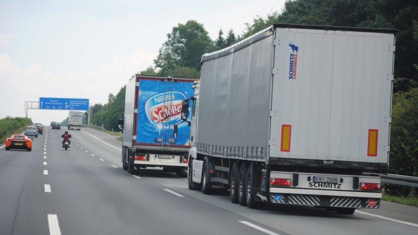 Planuri CE pentru o relaxare în sectorul de transport Germania începe să permită din nou circulația camioanelor duminica