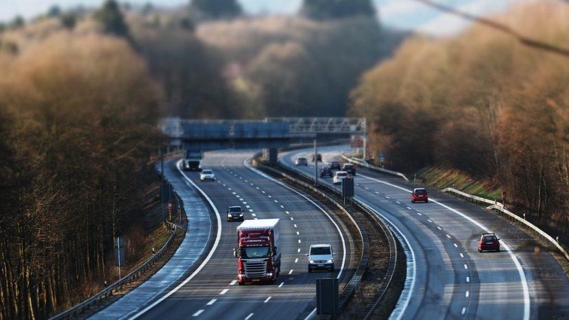 Transportatorii vestici cer ca Pachetul Mobilitate 1 să fie adoptat urgent