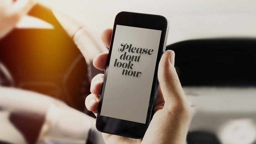 Telefonul mobil te pune în pericol la volan? Sfaturi pentru o utilizare responsabilă