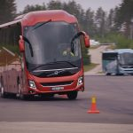 Cum sunt testate autobuzele și autocarele Volvo