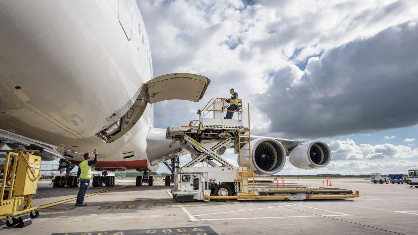 GEFCO, transport de echipamente de protecție către medici stomatologi și companii din România