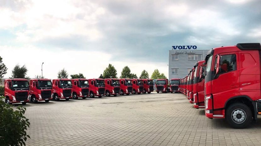Luscan Com a primit 20 de autotractoare Volvo FH pentru construcții