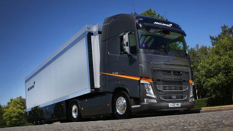 Camioane Volvo FH pentru McLaren Racing