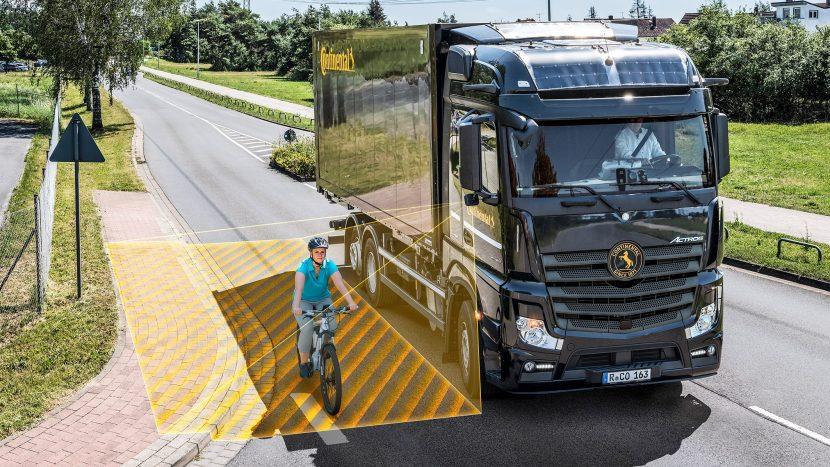 Continental lansează sistemul de asistență la viraj RightViu
