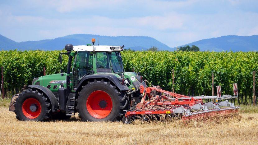 Tradus: Cum a evoluat interesul pentru echipamente agricole rulate