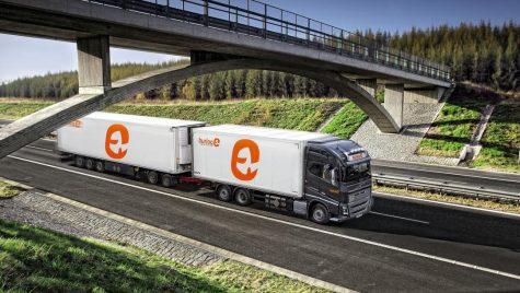 Sistemul de asistență la viraj, obligatoriu pentru camioanele lungi în Germania