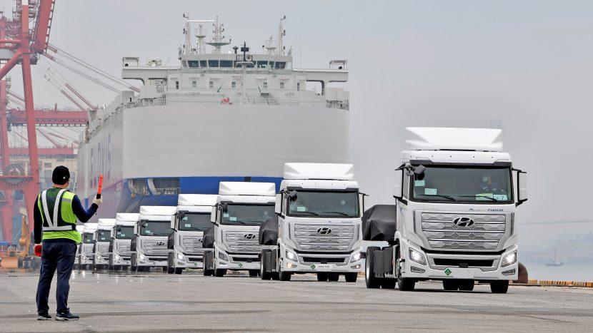 Primele camioane Hyundai XCIENT alimentate cu hidrogen au plecat spre Europa