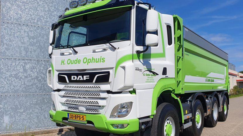 Tatra sau DAF? Camionul care te bagă în ceață total