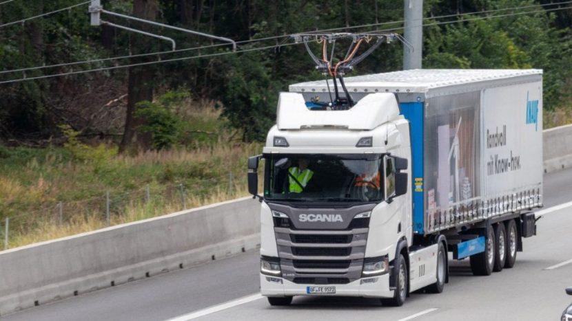 Primul test cu autostrada electrificată din Germania este complet operațional