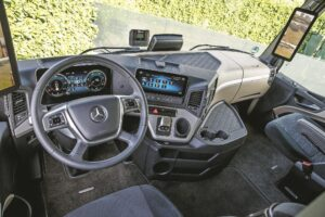 Test Mercedes-Benz Actros 1845: Control total