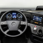 Mercedes lansează în 2021 modelul accesibil Actros F, cu oglinzi clasice