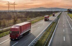 Tot mai mulți români caută vehicule comerciale rulate online