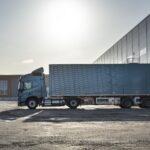 Volvo FM LNG sofer incarcare rampa