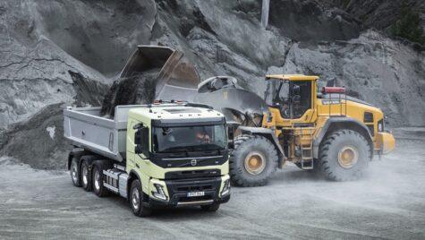Volvo FMX la 10 ani, aniversare cu model nou