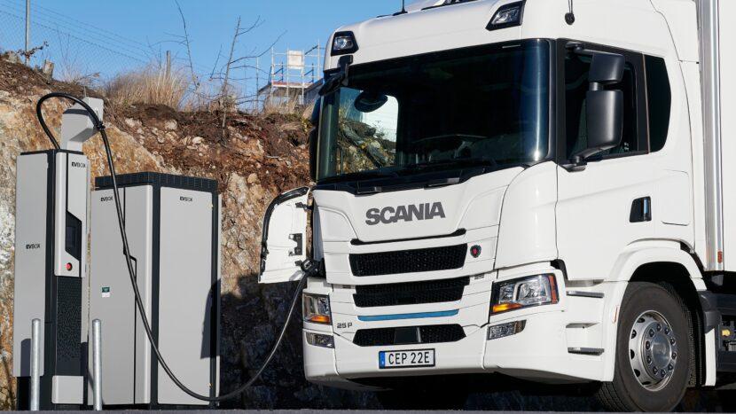 Scania construiește o fabrică de baterii în Södertälje