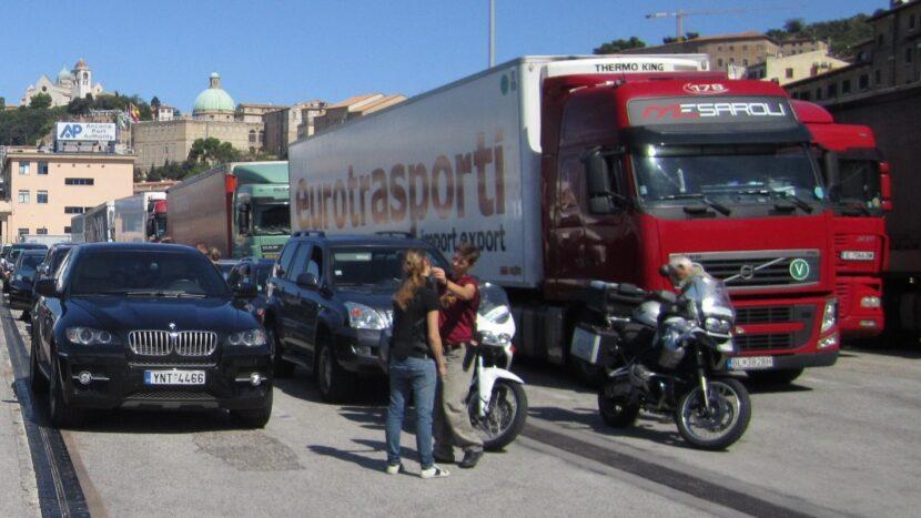 Calendar restricții pentru camioane de peste 7,5 tone în Italia în 2021