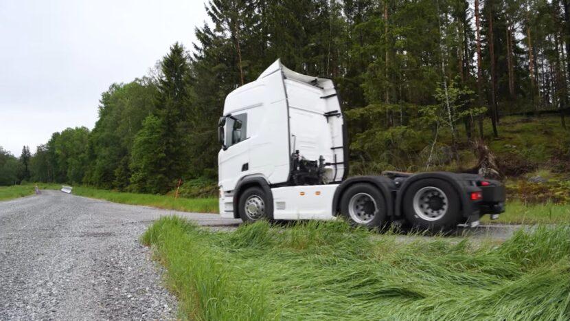 Scania introduce o punte tandem liftabilă și decuplabilă