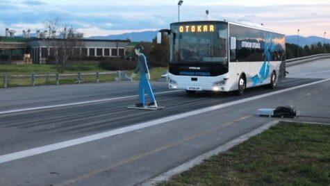 Video: Autobuz autonom Otokar, testat pe circuit