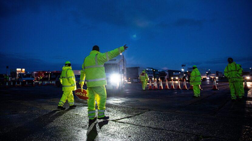 Comisia Europeană: Șoferii de camion nu trebuie testați și carantinați