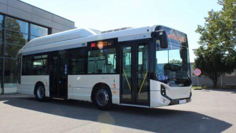 Trei sferturi dintre autobuzele Iveco vândute în 2020, cu propulsie alternativă